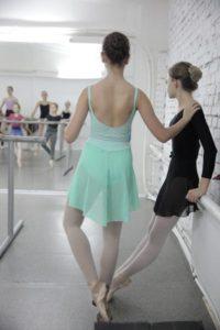урок в балетной школе
